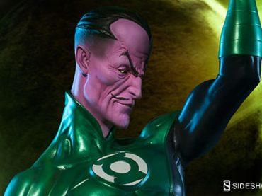 New Sideshow Sinestro Exclusive Premium Format Statue